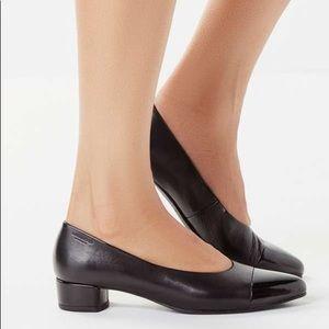 Vagabond Alicia Cap Toe Ballet Heel
